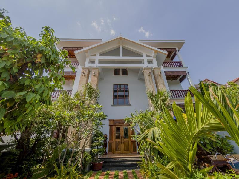 Price La Pax Residence