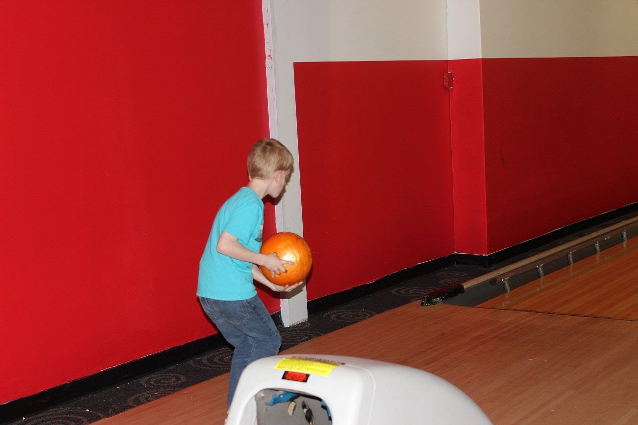 photo bowling7_zpsbvgrrltk.jpg