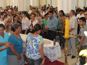 Missa de corpo presente de Monsenhor bernardino na Catedral de  Petrolina, PE (Foto: Juliane Peixinho/ G1)