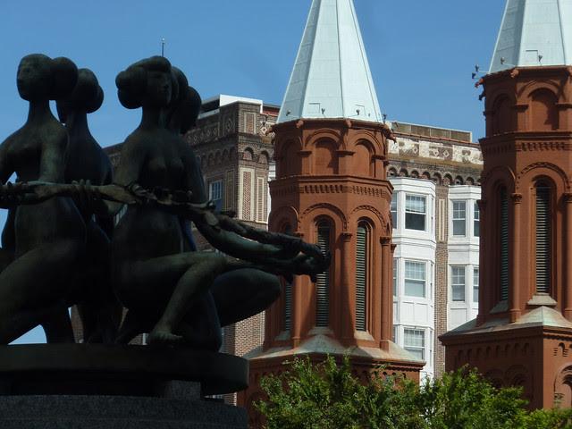 P1120588-2012-10-03-Atlanta-Sacred-Heart-CatholicChurch-1897-by-Architect-W-T-Downing