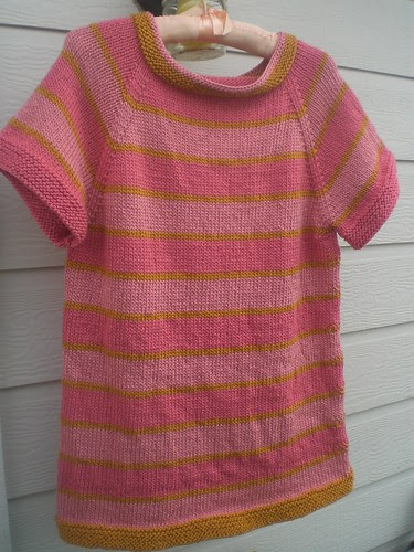 Hanging striped raglan