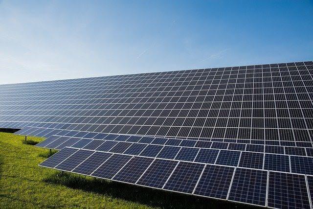 Energia solar: subsídio custará R$ 56 bilhões, diz Ministério da Economia