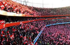 Arsenal V Manchester United: Football Fans: Ch...