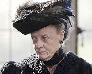 photo dowager-countess-of-grantham_zps07145d49.jpeg
