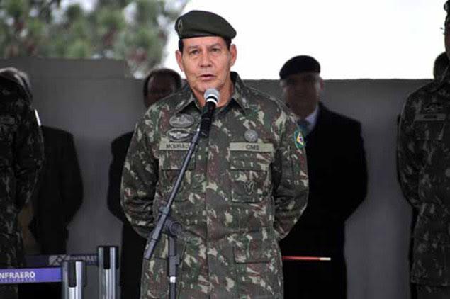 General do Exército Antônio Hamilton Martins Mourão, comandante Militar do Sul