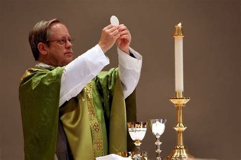 The Liturgy of the Eucharist Lesson Plan   Catholic Lesson