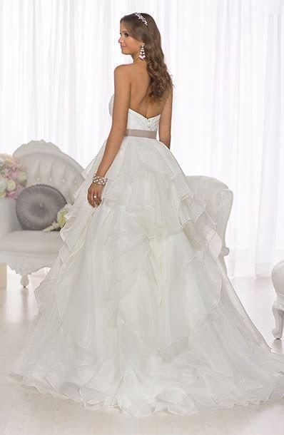 Essense of Australia D1672 New Wedding Dress on Sale 31%