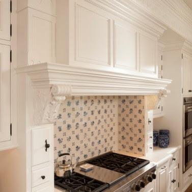 Mobili Su Misura Arredamenti Su Misura Di Qualita Cucine Classiche Laccate Bianche Produciamo Su Misura