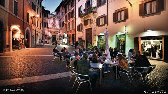 Χαράς ευαγγέλια για τους σερβιτόρους, αλλά όχι για τους καταναλωτές