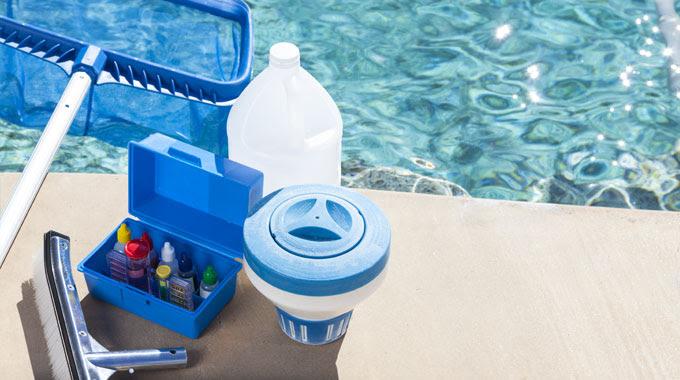 Hasil gambar untuk cleaning swimming pool