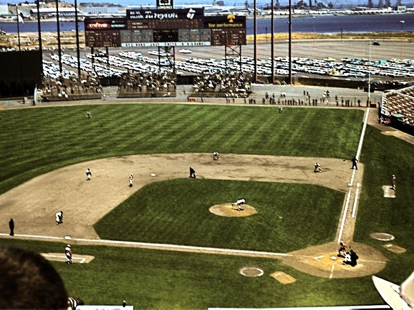 http://www.andrewclem.com/Baseball/Photos/CandlestickPark-1961-grand-view.jpg