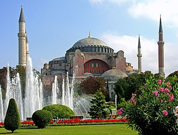 http://upload.wikimedia.org/wikipedia/commons/thumb/9/97/Turkey-3019_-_Hagia_Sophia_(2216460729).jpg/350px-Turkey-3019_-_Hagia_Sophia_(2216460729).jpg