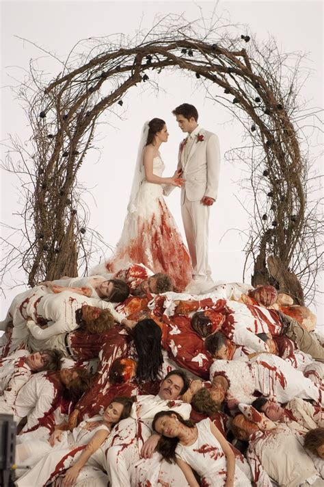 Bella Swan?s Bloodstained Nightmare Wedding Dress and Veil