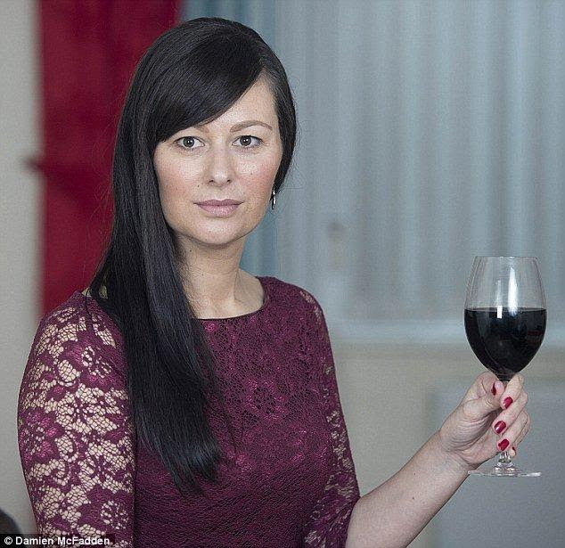 Get Attractive Waistline by Drinking One Glass of Red Wine Before Bed