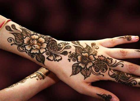 Top 20 Beautiful Engagement Mehndi Designs for Womens