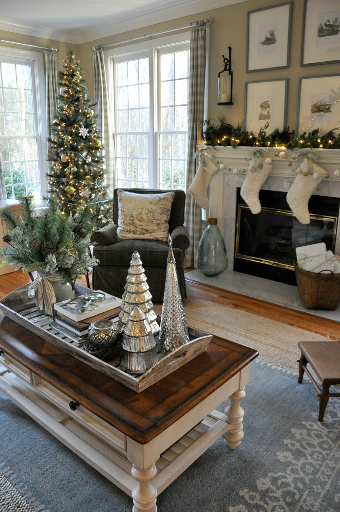 Christmas Coffee Table Decor Ideas That You Will Find ...