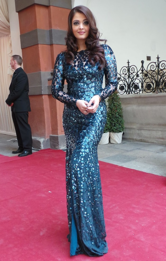 2 Aishwarya Rai in Roberto Cavalli@Life Ball 2013 Gala Dinner