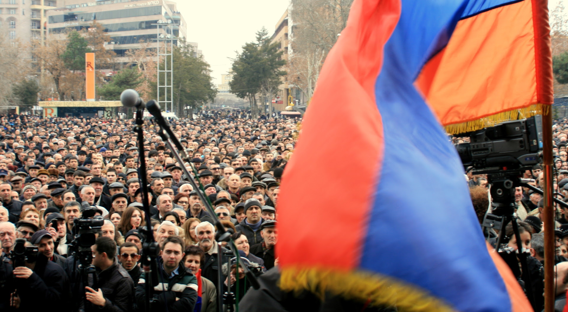 http://www.armenianweekly.com/wp-content/uploads/2013/03/IMG_85461.jpg