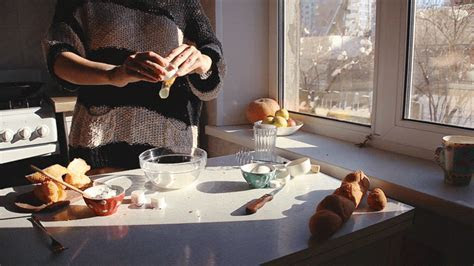 Mesmerizing Cinemagraphs of Food Preparation in Action (51