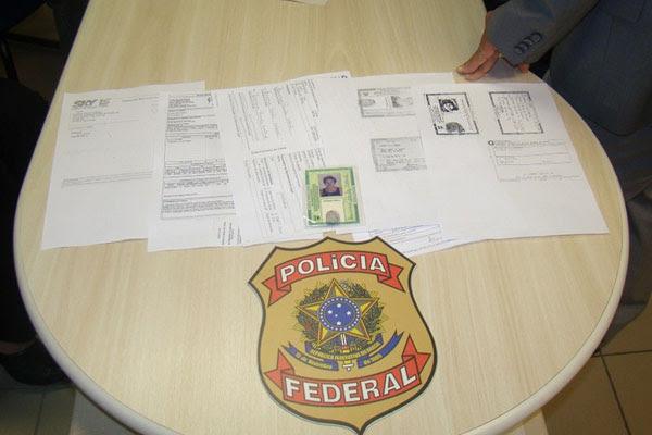 A dupla utilizava documentos falsificados para as fraudes