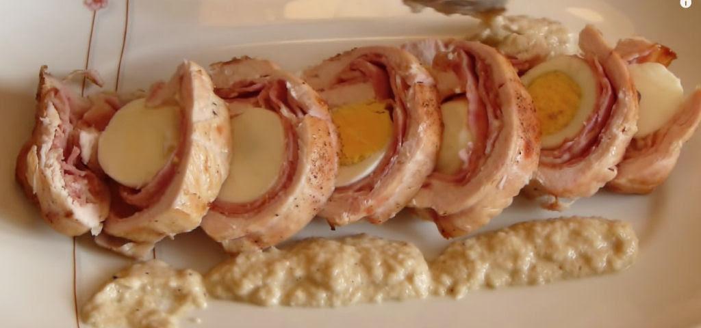 Um receita simples de peito de frango recheado para você impressionar seus convidados