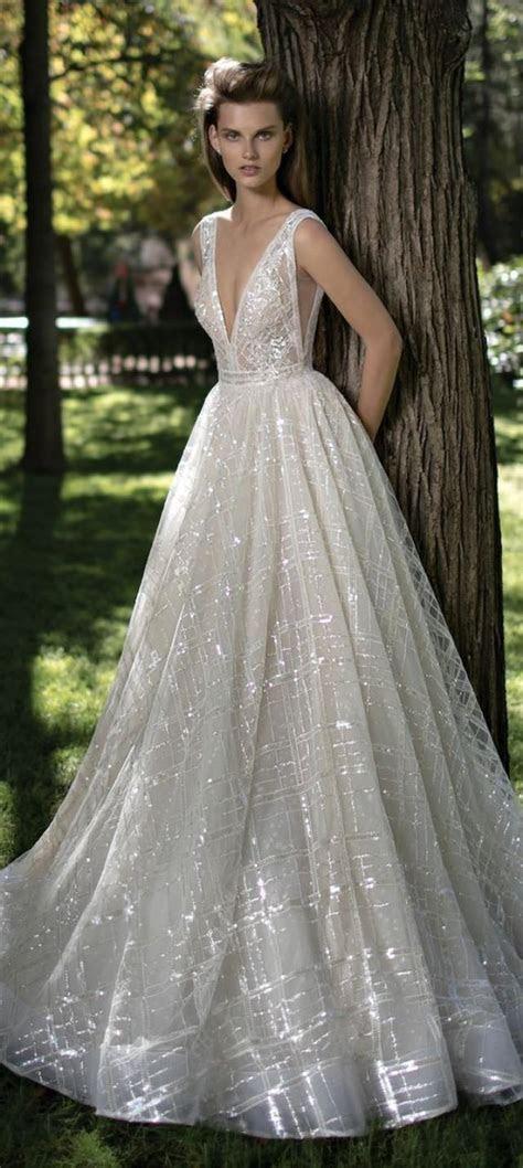 32 Sexy Deep Plunging V Neck Wedding Dresses #2551894