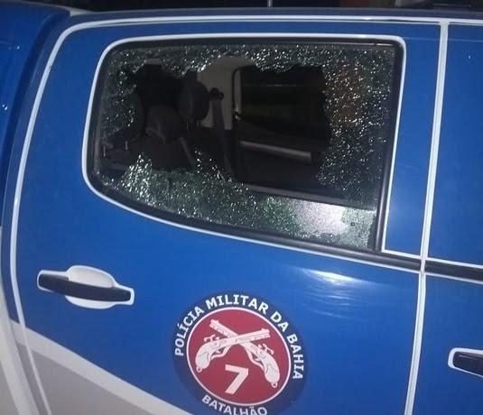 Viatura da PM de Mulungu do Morro foi atacada por quadrilha que explodiu posto bancário na cidade | Foto: Edivaldo Braga/Blogbraga