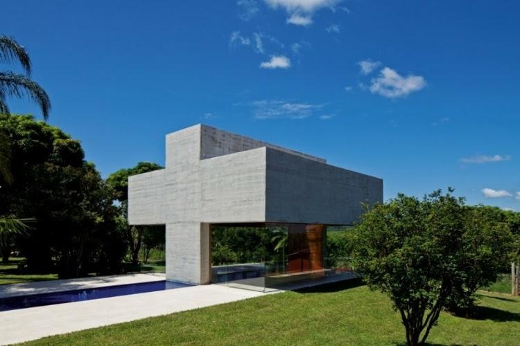 home 18 Gustavo Penna's All Saints Chapel
