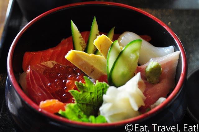 Oto-Oto Izakaya Japonaise- Monrovia, CA: Sashimi Chirashi Bowl