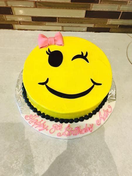 Winky Emoji Cake   Rashmi's Bakery