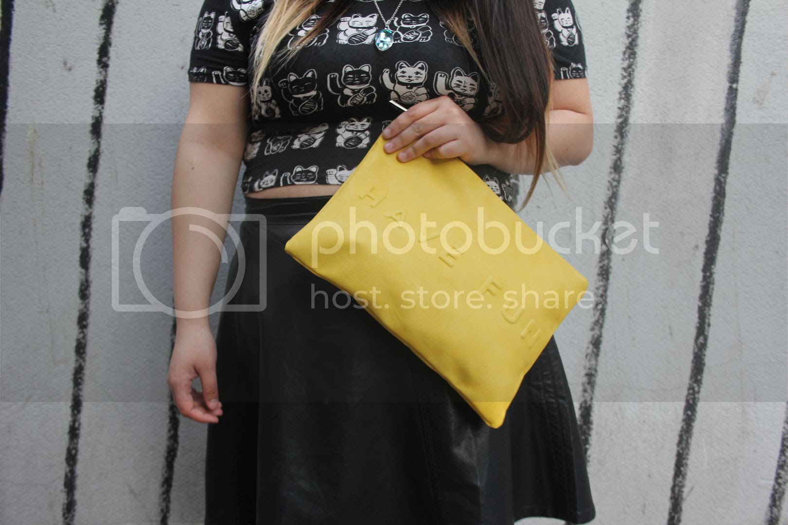 plus size fashion body positive toronto canada jessica ip clothes and shit lucky cat plus size blogger forever21 plus size leather skirt