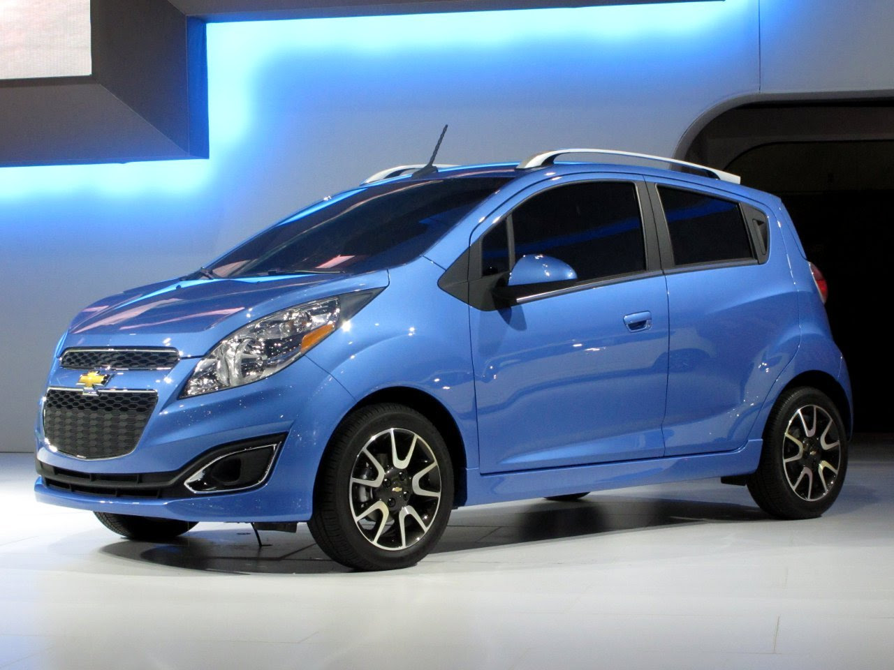 Fotos De Chevrolet Spark 5puertas Pictures to pin on Pinterest