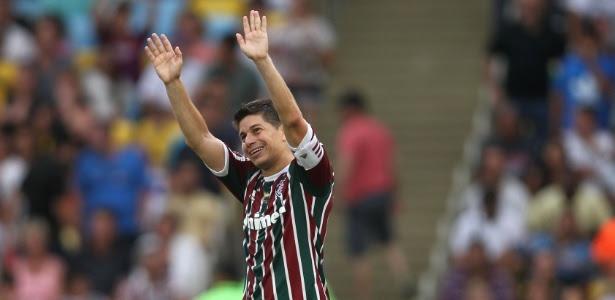 Com contrato, Conca deverá continuar no Fluminense, que planeja ações de marketing nos EUA