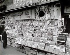 Newsstand, 32nd Street and Third Avenue, Manha...