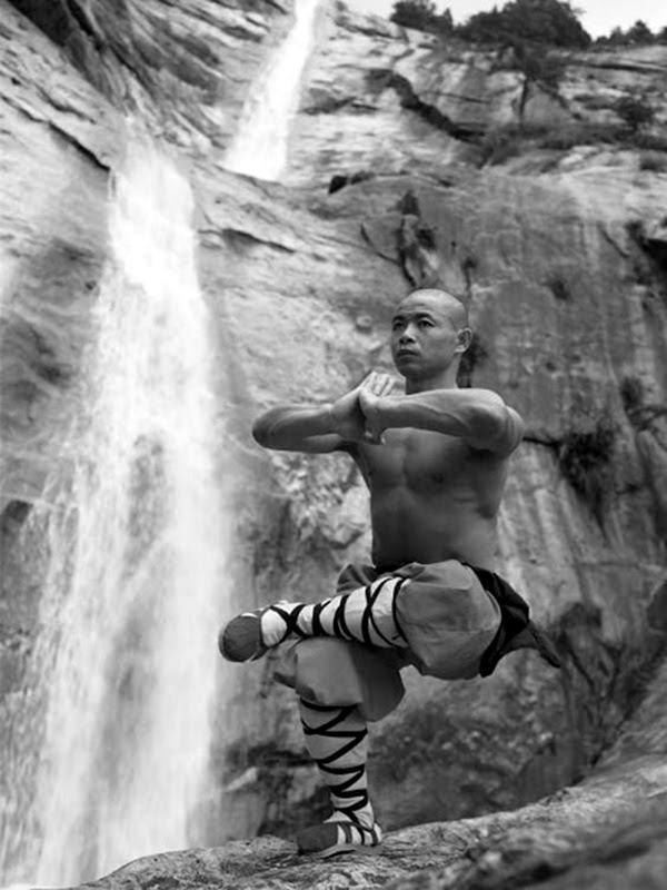 Shaolin monk Martial Art Demonstrations (10)
