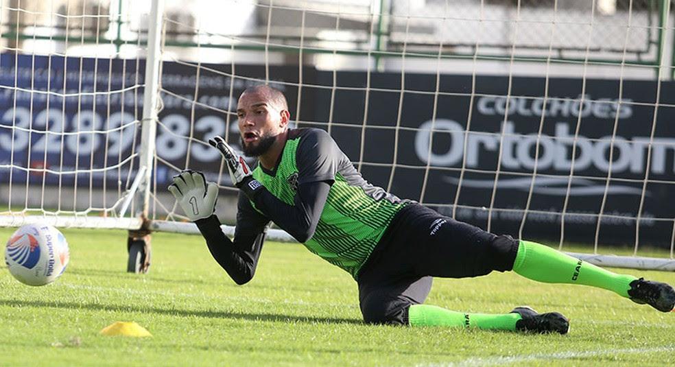 Éverson, goleiro do Ceará, avalia a importância da vitória sobre o Náutico para o elenco (Foto: Israel Simonton/Cearasc.com)