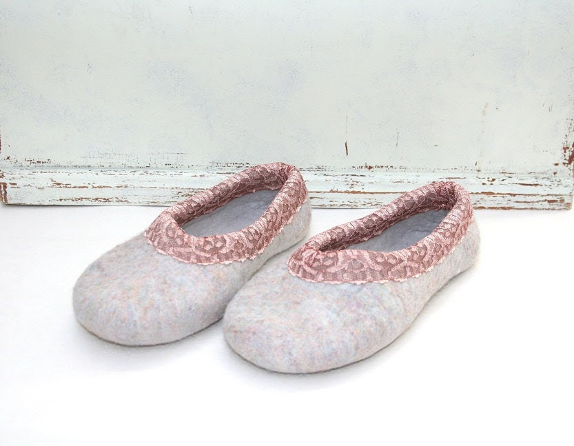 Women house shoes, felted slippers, handmade, wool shoes, Pastel provence, made to order