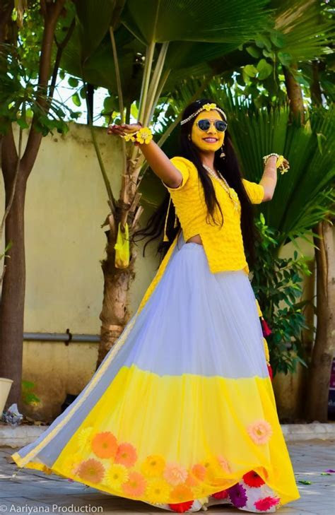 #haldi ceremony outfit for bride#Pithi outfit brides#Pithi