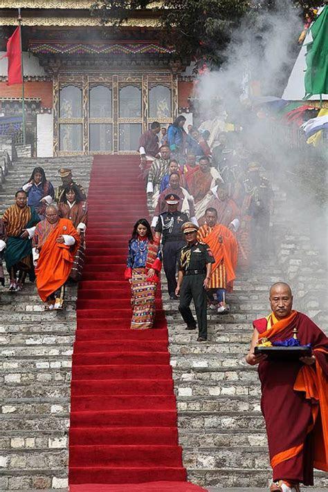 King of Bhutan marries 21 year old student Jetsun Pema in