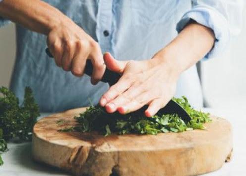 Τα υλικά που πρέπει να προσθέσεις στη σαλάτα σου για να νιώθεις χορτάτη και να αδυνατίσεις!