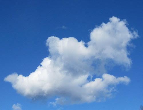 015 a strange cloud