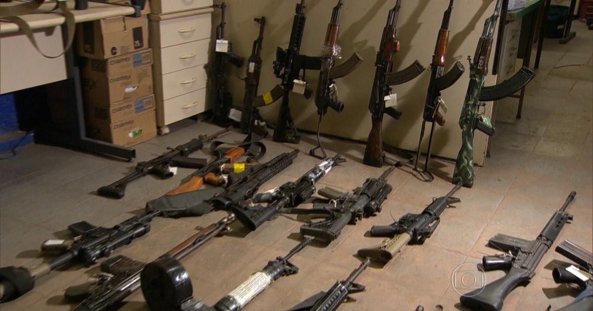 Resultado de imagem para apreensão de armas ilegais nas maos de traficantes