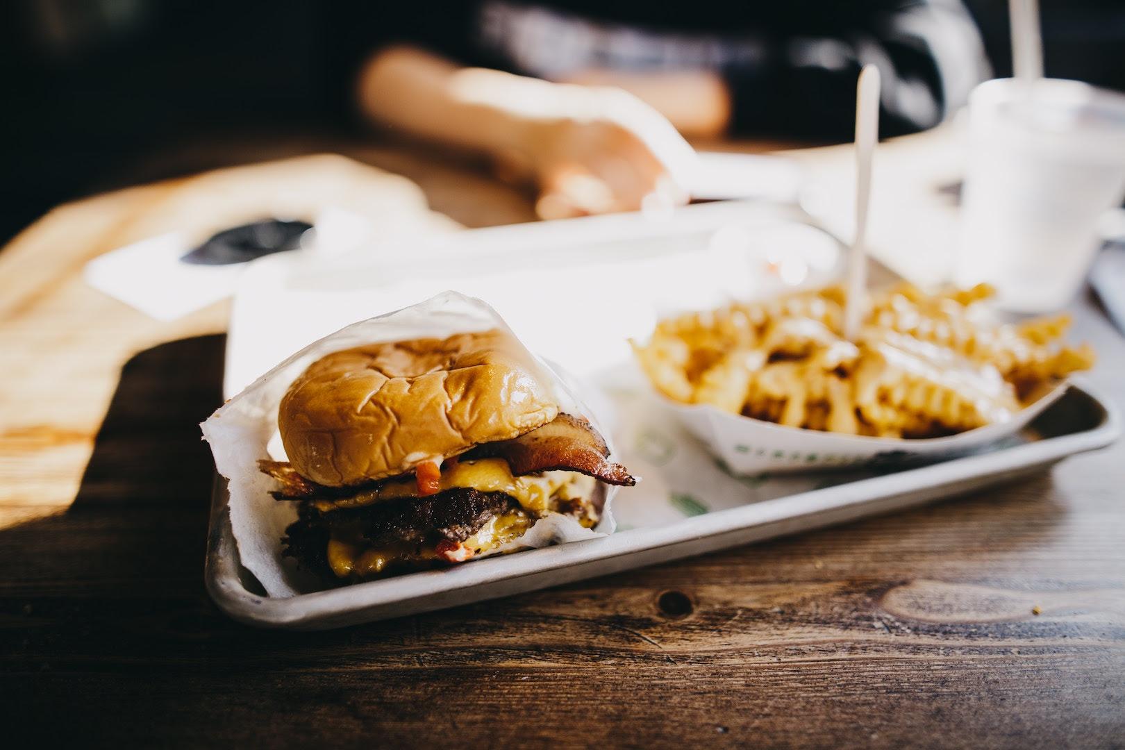 Unhealthy Eating Habits Entrepeneurs - YFS Magazine