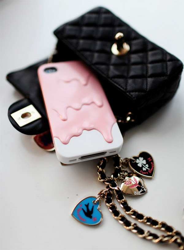 10 interesting iphones 09 10 Amazing iPhone Cases