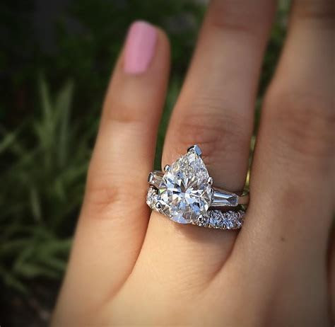 Perfect Pear Shaped Engagement Rings   Designers & Diamonds
