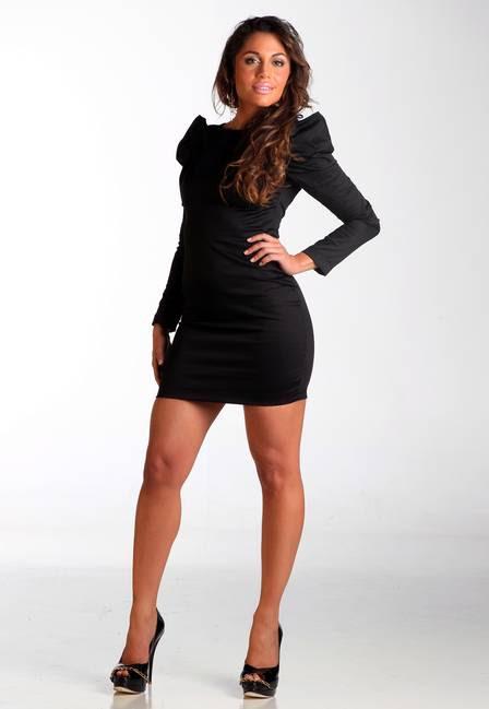 Mulherão, com vestido preto My Philosophy (R$ 278) e sapato de verniz preto Lilian Medeiros (R$ 189)