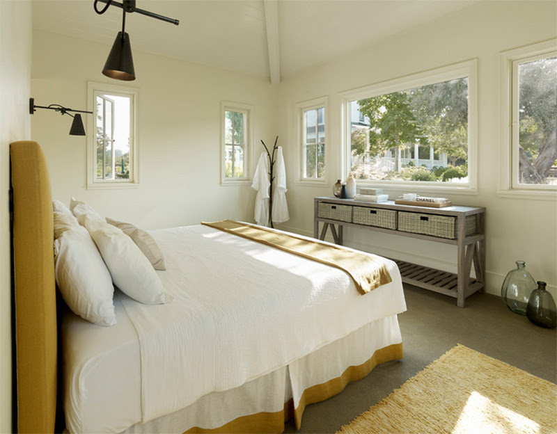 Cozy Bedroom Décor in Farmhouse Style - Master Bedroom Ideas
