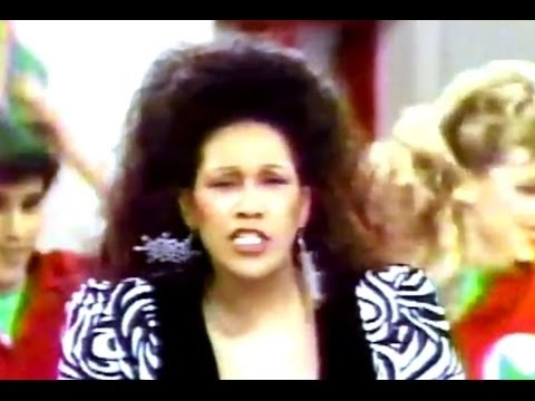 The Pointer Sisters - Santa Claus Is Coming To Town