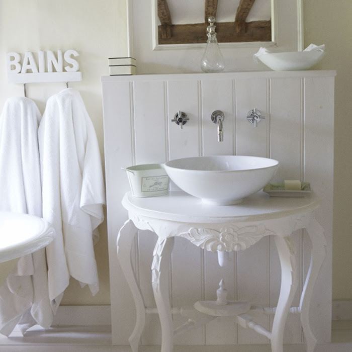white country style bathroom sink