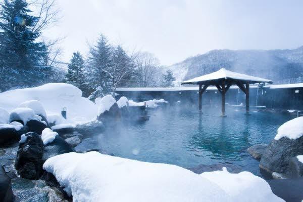 아는 사람만 안다는 홋카이도의 온천마을 기타유자와, 명수정(메이스이테이) 료칸